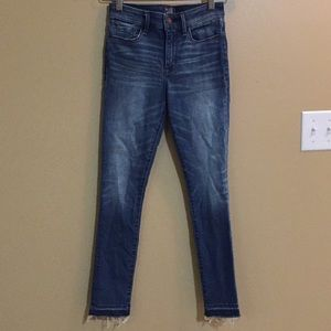 NWOT A & F Harper Low Rise Ankle Jeans- 25R
